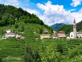 Ride in the Land of Prosecco Wine and Villas