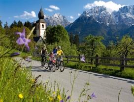 Cycling along Austria's Drau Cycle Path