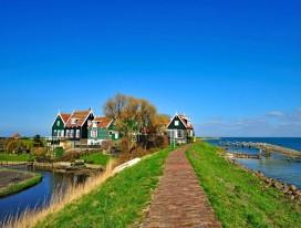 Cycling in Dreamy IJsselmeer (the Netherlands)